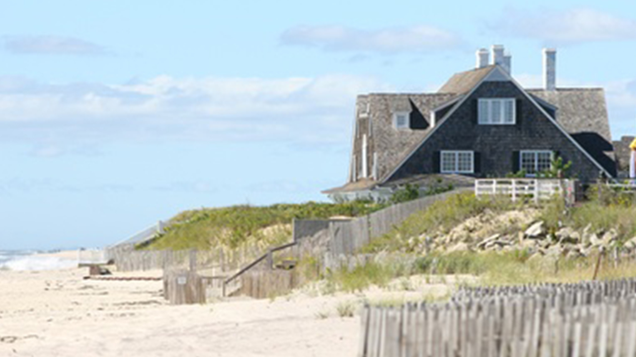 beach house in the hamptons