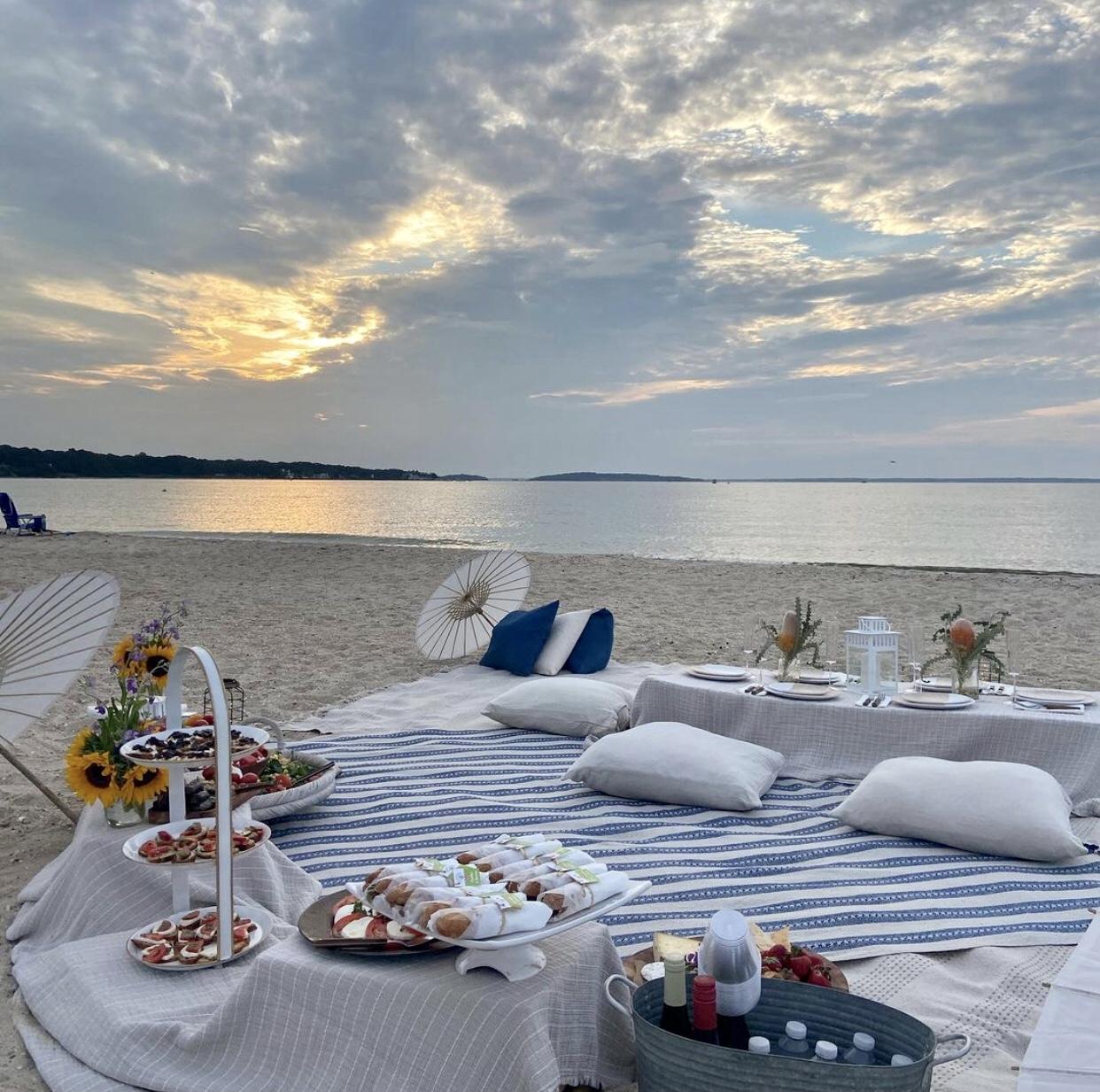 hamptons beach picnic